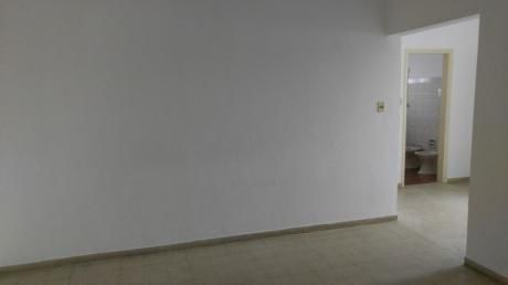 Apto 2 Dormitorios A Metros De 8 De Octubre