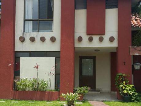 Casa En Anticretico En Condominio En Zona Norte