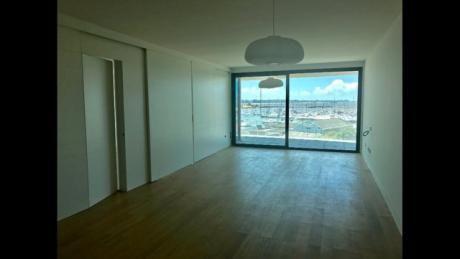 Apartamento Con Vista Al Puerto
