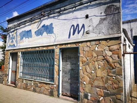 Locales En Venta En Larravide 3075