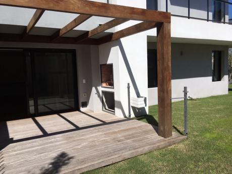 Apartamento Con Jardín A Estrenar