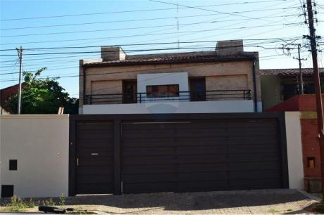 Casa De 4 Dormitorios Zona Colegio Liberty