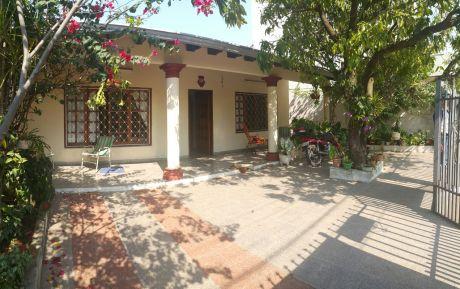 Casa En Barrio Mbocayaty