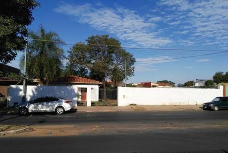 Doble Terreno Con Casa Sobre Avda. Y A Dos Cuadras Avda Mcal Estigarribia