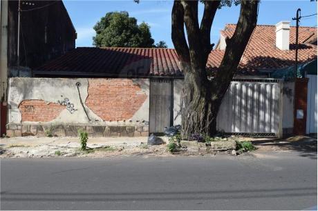 Terreno A 3 Cuadras Del Parque Seminario!!