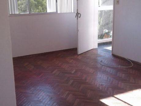 Apartamento En Venta En La Blanqueada. Ideal Inversores!