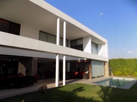 Casa En Alquiler Condominio Colinas Del Urubo Sector I
