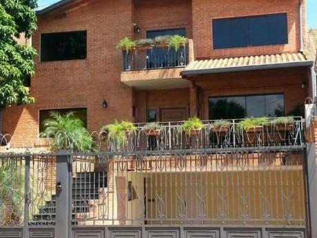 En Carmelitas / Bcp - Distinguida Residencia - Jardin, Piscina - 2.500 Usd