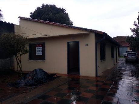 Casa En Fernando De La Mora Zona Sur A Pasos Del Mercado De Abasto