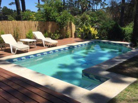 Casa Con Piscina En Alquiler | Playa Mansa|  Punta Del Este