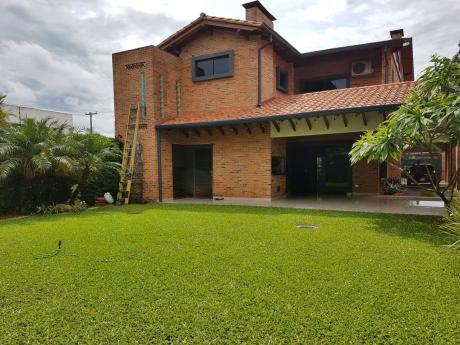 Alquilo Hermosa Casa En Luque.
