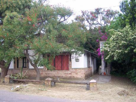Vendo Casa Y Terreno En Balneario La Tuna (dos Padrones Juntos)