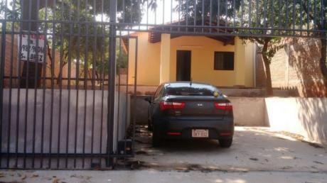 Vendo Casa De 2 Dormitorios En San Lorenzo Zona Escuela Acosta Ñu