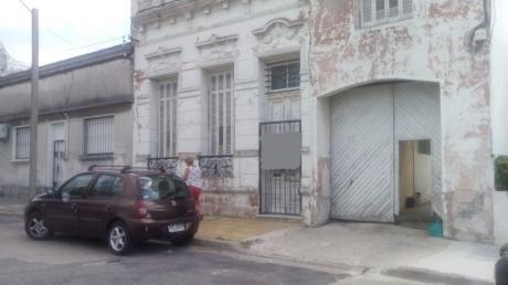 Inversores!! Padron Unico Tres Unidades Gran Zona De Garage O Como Amplio Local.