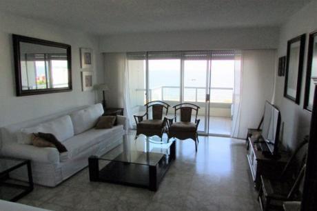 Primera Fila Sobre Playa Mansa Con Excelente Vista - 3 Dorm.