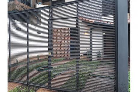 Duplex En Barrio Mburucuya