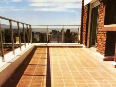 Alquiler De Apartamento 3 Dormitorios  En Punta Carretas, Montevideo