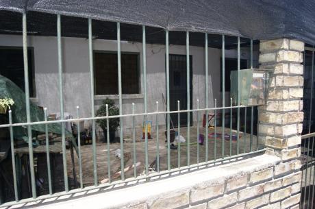Casa De 92 M2, 42 M2 Construidos En Ph, 2 Dormitorios 1 Baño, Parrillero