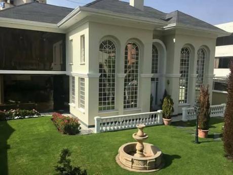 Hermosa Casa En Venta, Zona Achumani