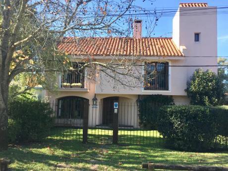 Excelente Casa En La Mejor Calle De Carrasco Norte