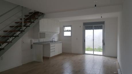 Estrenas En La Blanqueada, Casa Duplex, 65m2: 2 Dormitorios, Patio .