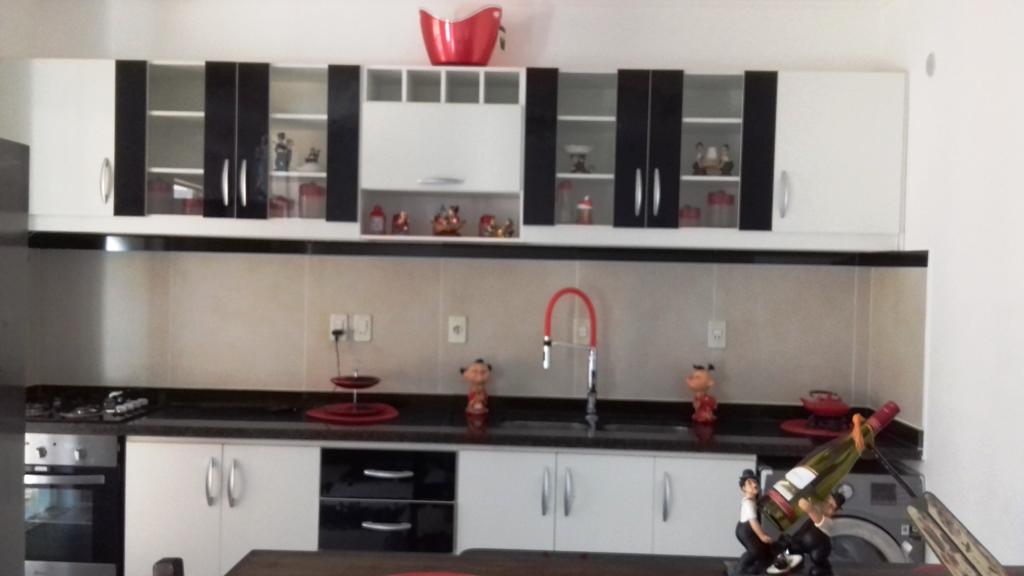 Tierra Inmobiliaria - Hermoso Triplex En Barrio Cerrado De Villa Elisa