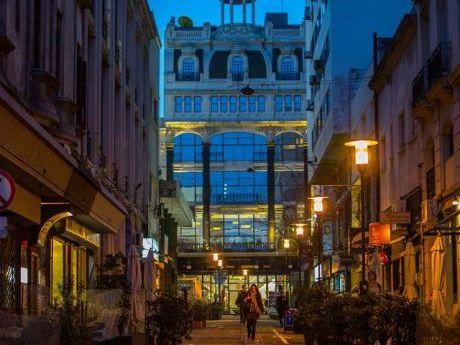 Local Comercial En Ciudad Vieja. 70mts Edificados
