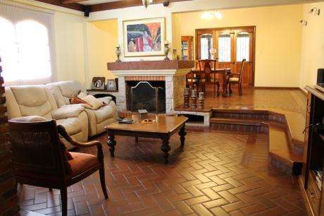 Alquilo Hermosa Y Amplia Casa En Fdo De La Mora