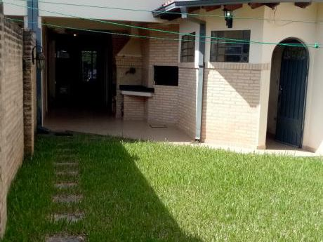 Alquilo Duplex – Bº Mbocayaty Alt. Puente Semidei