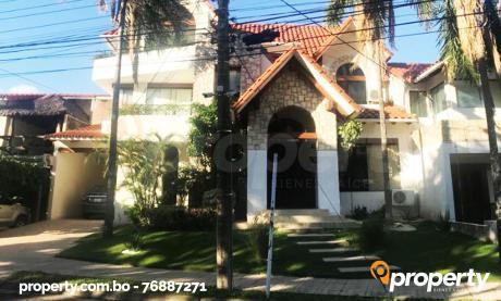 Casa De Lujo En Urb. Ciudad Jardín – Zona Norte
