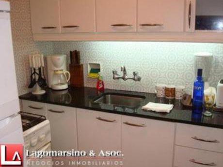 Apartamentos En Playa Mansa: Laa1228a