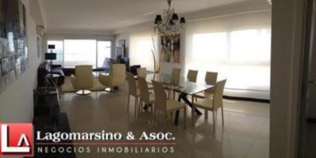 Apartamentos En Playa Brava: Laa1635a