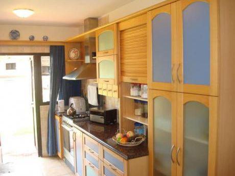Casas En Playa Mansa: Laa1770c