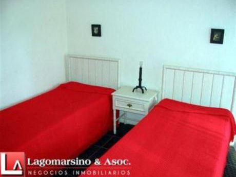 Apartamentos En Playa Mansa: Laa722a