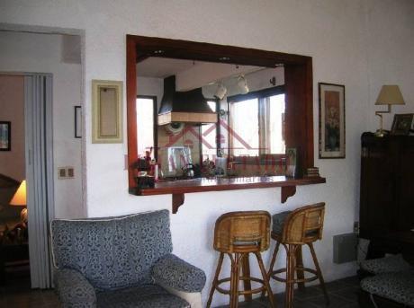 Casa En Alquiler Y Venta En Brava - Ref: 62