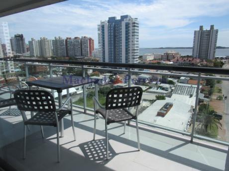 Apartamento De 2 Dormitorios 2 Baños Con Parrillero Propio En Terraza Balcón