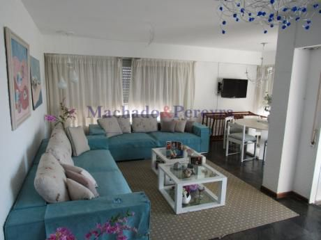 Apartamento En Playa Brava Con Vista A La Mansa