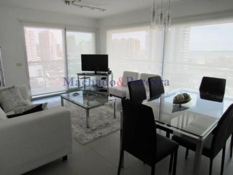Apartamentos En Playa Mansa: Myp1936a