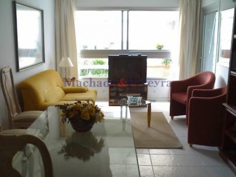 Apartamentos En Playa Mansa: Myp3203a
