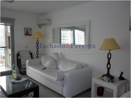 Apartamentos En Playa Mansa: Myp3244a