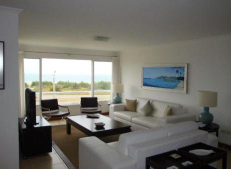 Apartamentos En Playa Brava: Mgi1663a