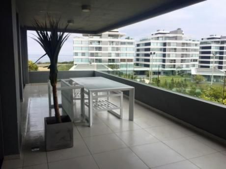 Apartamentos En Playa Brava: Mgi1947a