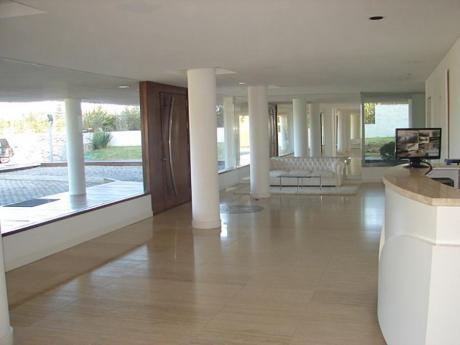 Apartamentos En Playa Brava: Mgi689a