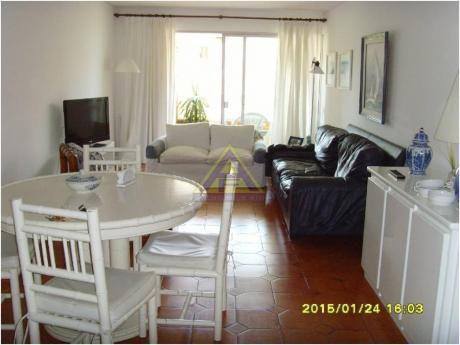 Apartamentos En Playa Mansa: Mci1019a