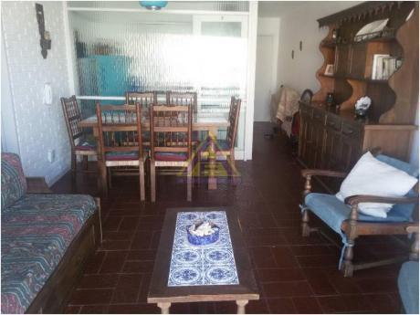 Apartamentos En Playa Mansa: Mci1024a