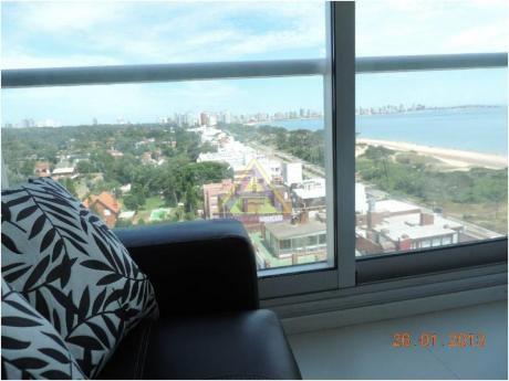 Apartamentos En Playa Mansa: Mci1058a
