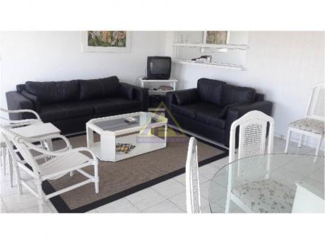 Apartamentos En Playa Mansa: Mci1067a