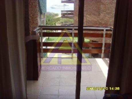 Apartamentos En Playa Mansa: Mci10a