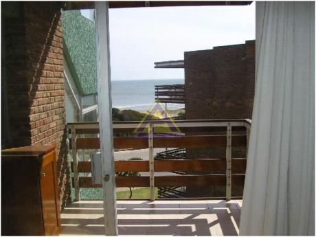 Apartamentos En Playa Mansa: Mci11a