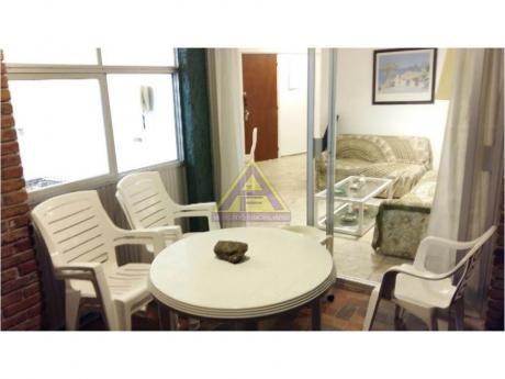Apartamentos En Playa Mansa: Mci19a